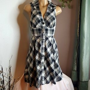🍬Guess black & white check button front Dress S